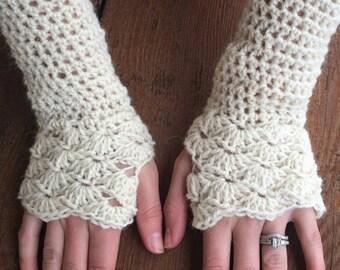 Scallop Fingerless Gloves