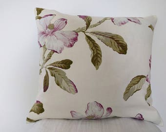 Beautiful pillow 45 x 48 cm with Magnolia flowers / / flower pattern