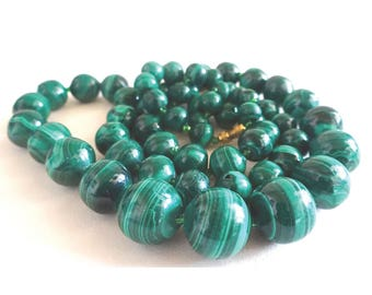 Malachite necklace; Malachite necklace.