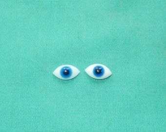 pair of glass eyes, blue/lensshape/15 x 8 mm/vintage/antique/1930s/Lauscha/Germany
