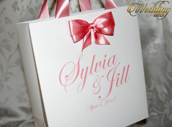 Elegant Wedding Gift Bags : ... Gifts Guest Books Portraits & Frames Wedding Favors All Gifts