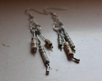 Earrings paper beads