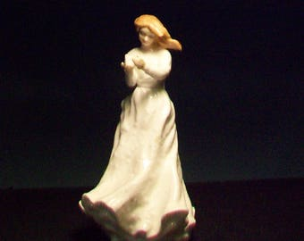 Royal Doulton Figurine HN 3390 Thank You