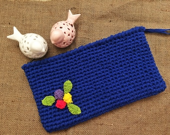 Saxe Crochet Clutch Designed with Flowers
