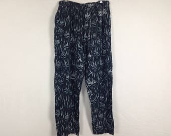 Grey skull flame pants size M/L