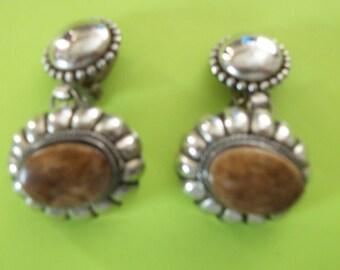Vintage Elegante earrings silvertone brown
