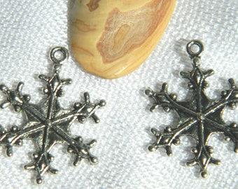 1 charm star snowflake 6 metal 29 * 22