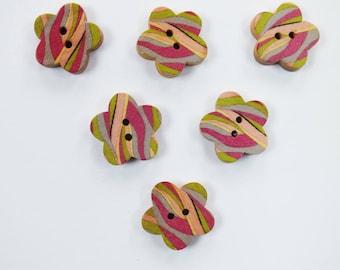 SET of 6 wood buttons: flower pattern fancy 17mm (No. 01)