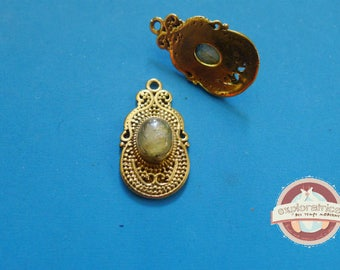 Indian ethnic pendant gold and yellow Topaz 15x27mm