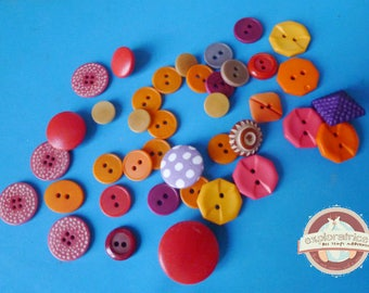 39 round buttons square retro pink red purple yellow