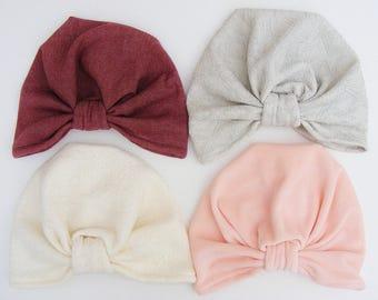 Bonnets turbans pour les petites et les grandes aux couleurs toutes douces
