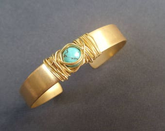 Half ring and turquoise stone
