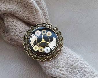 Ring bronze metal round 3.5 cm in resin and gears