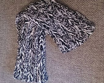 Black and white braided Snood