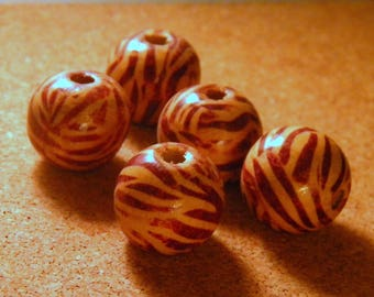 5 natural wooden beads - pattern Cappadocia with bicycle - striped beige Brown - 18 mm - B21