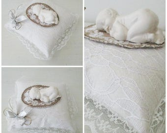 Decorative cushion / spade style Shabby Chic lace and plaster baby hands