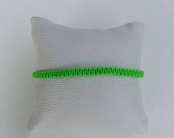 Thin bracelet-woven macrame green electric neon Apple