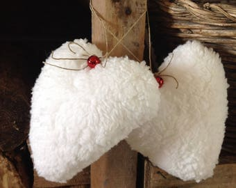 Pretty heart hanging in ecru and Red Bell fur