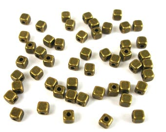 50 beads cubes 4 mm antique BRONZE color metal