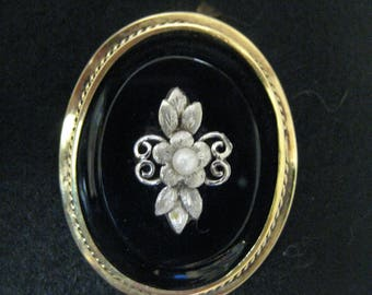 Pendant-Brooch Gold 14 carat with platinum flower with Pearl and Onyx