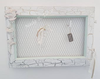 Redesigned window Peel blends shabby style