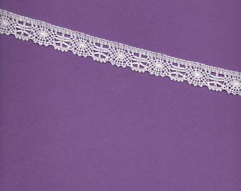 White cotton lace 2cm wide