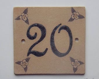 Door number number ochre stoneware '20' deco pinkish beige flower