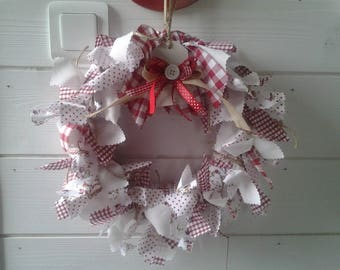 Gorgeous straw decorated with fabric wreath