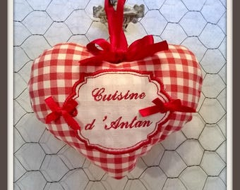 "Embroidered heart ""Kitchen of yesteryear"""