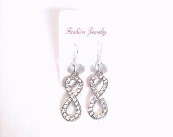 Gift idea: pair of earrings Infinity (infinity) rhinestones.