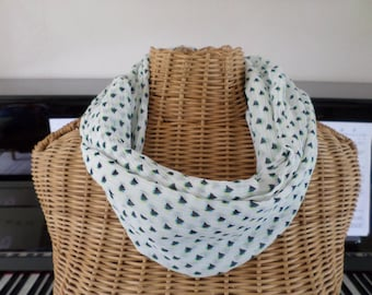 snood in ecru white chiffon with tiny blue triangles