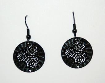 """Bouquet of flowers"" black metal filigree earrings"