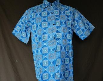 Shirt size XL / XXL mens short sleeved African wax fabric
