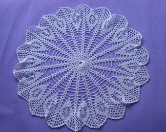 Large doily crocheted (53)
