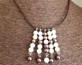 Brown pendant cord necklace