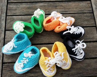 Converse style crochet baby booties