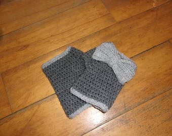 Gray fingerless gloves with big bow at the wrist