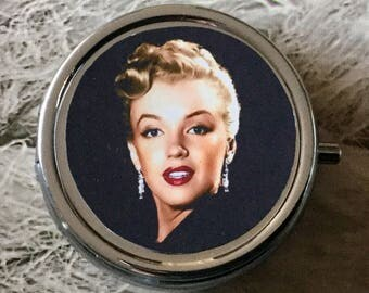 Little Marilyn Monroe cabochon glass silver pill box
