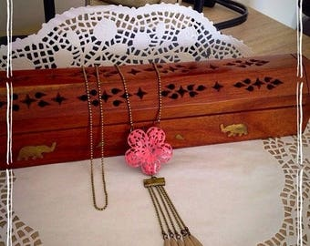 Jewelry necklace print pink sand enamel effect and panpilles: