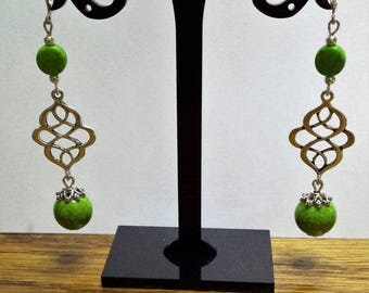 Howlite (synthetic turquoise) beads earrings Green