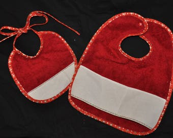 Set of 2 bibs with embroidered red - flowers