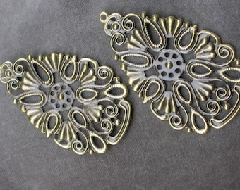 set of 2 filigree Teardrop brass 6.7 cm