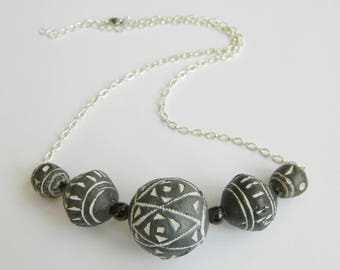 Large grey beads engraved with ethnic motifs - Aztec ethnic necklace