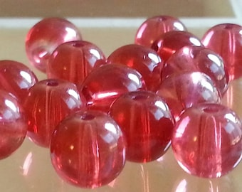 10 red glass beads 8 mm diameter, hole 1 mm