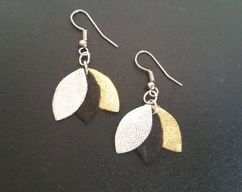 Short earrings lambskin