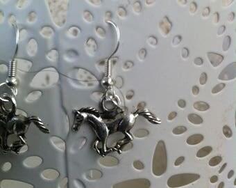 Galloping horses earrings