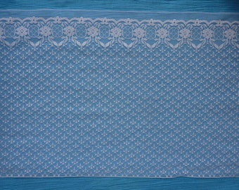 2 meters wide synthetic white floral lace and kind lightweight satin