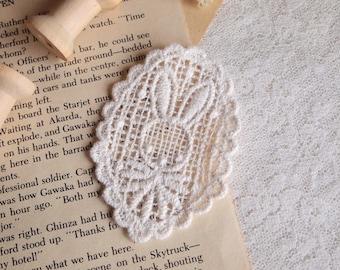 1pcs applied guipure lace, rabbit, beige, white, T38