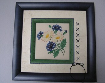 Cornflowers and daisies table