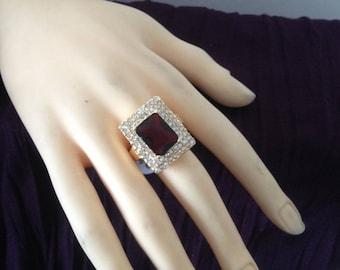 Gold plated ring rectangular stone & rhinestone size: 62